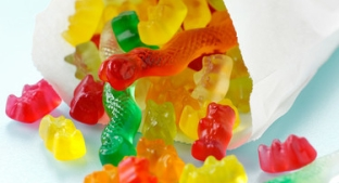 Bag of low-sugar gummy bear sweets