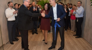 Nick Hampton opens new Tate Lyle Latin America HQ